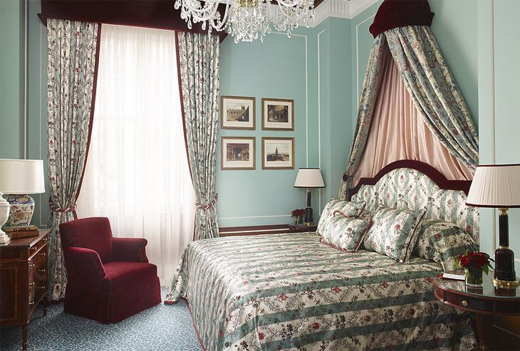 A guest room at London's newly reopened Lanesborough Hotel. (Image: Lanesborough)