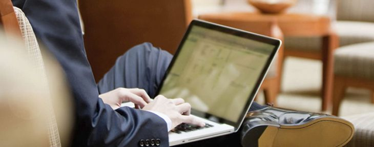 Wi-Fi or cellular at the airport? The answer isn't easy. (Image: Hyatt)