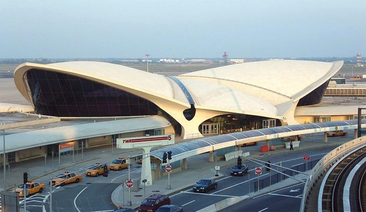 The classic TWA terminal at New York JFK will serve as public areas for a new hotel. (Image: DmItry Avdeev/Wikiimedia Commons)