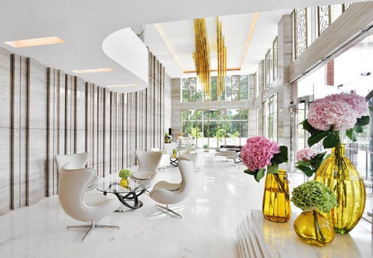 Lobby lounge at the new Renaissance in Lucknow, India. (Image: Marriott)