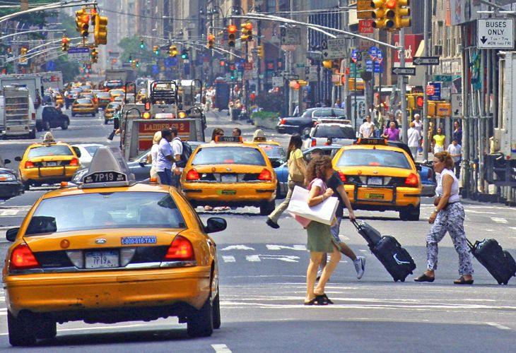 New apps will help taxi drivers compete against ride-sharing. (Image: Jim Glab)