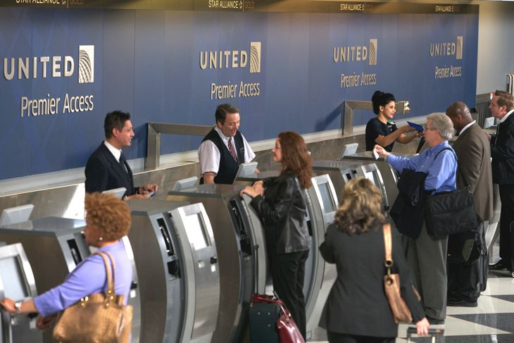 United's airport staffers are using travel certificates to sweeten the customer experience. (Image: United)