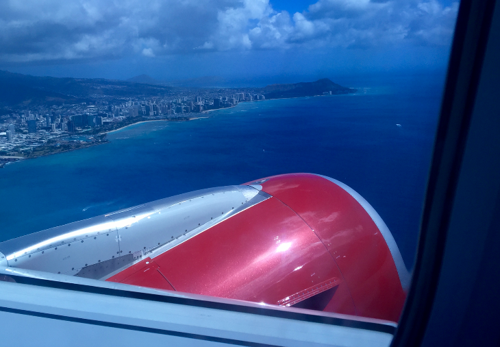 Spectacular view of Honolulu at take off. Note the sparkles in the paint on the engine! (Chris McGinnis)
