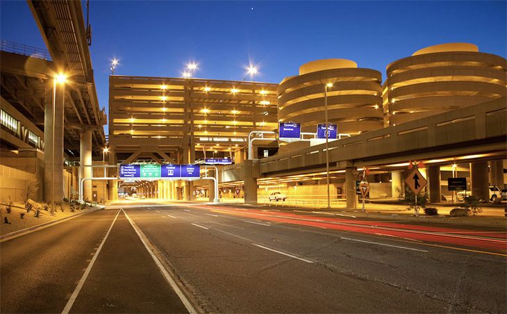 Ride-sharing pick-ups at the Phoenix airport should begin this summer. (Image: Phoenix Sky Harbor International)