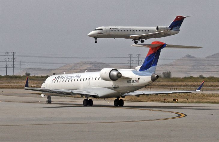 Regional carriers warn they are facing a significant shortage of pilots. (Image: Jim Glab)
