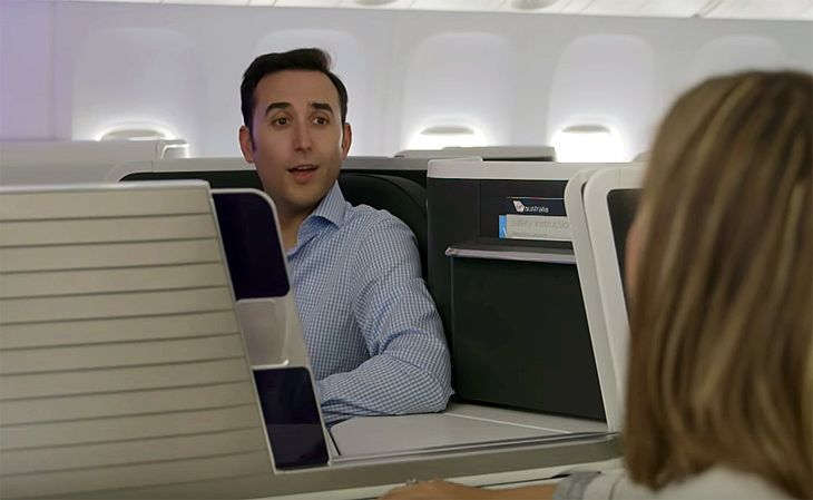 The middle seats in business class have a movable privacy divider. (Image: Virgin Australia)