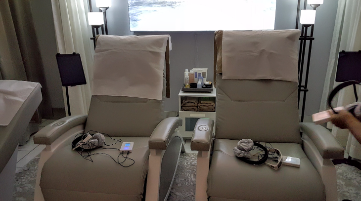 Chair massage and relaxation chairs at the SEA Sky Club (Scott Hintz)